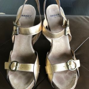Bronx gold sandals
